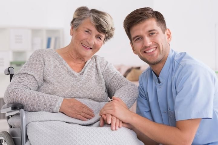 auxiliar-de-geriatria